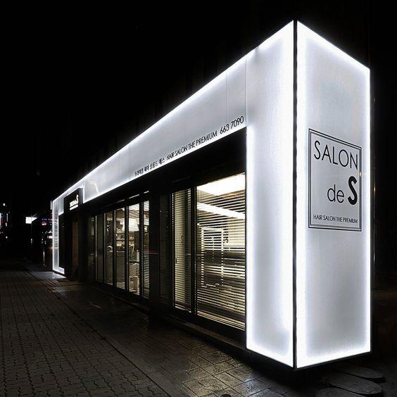thiết kế mặt tiền showroom